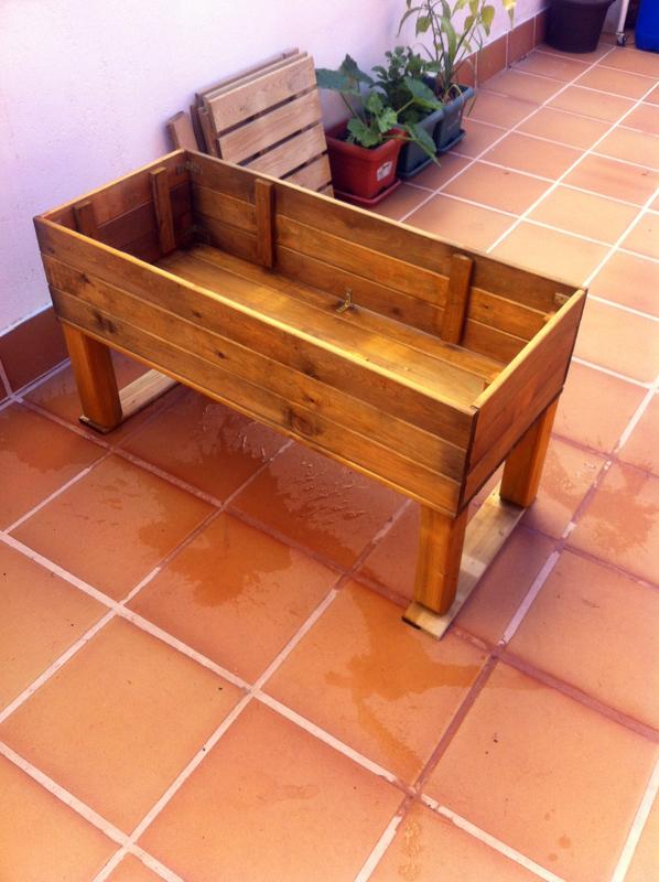 Construcci n de una mesa de cultivo casera y barata men for Mesas para esquinas
