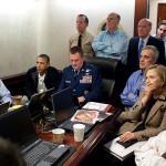 Obama y Biden esperando noticias acerca de la operación militar contra Bin Laden