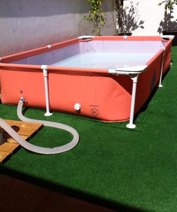 C mo arreglar una piscina tubular de lona sin tener que vaciarla men de viaje - Parches para piscinas desmontables ...