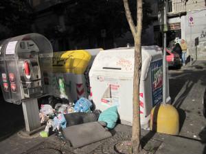 Basura en las calles de Nápoles